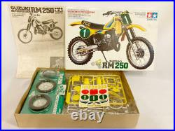 Tamiya 1/12 Motorcycle Series No. 13 Suzuki RM250 Motocrosser Plastic Model New