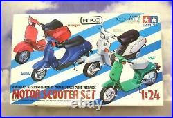 Tamiya Set Of 4 1/24 Motor Scooter Plastic Model Kits Honda/suzuki/yamaha/vespa